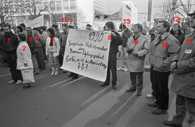 Bild 1: 1990 Demo in Berlin