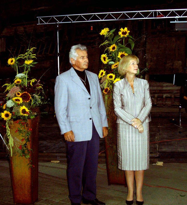 Hans-Jürgen Schulz und die Kulturministerin Frau Prof. Johanna Wanka während der Preisverleihung in Brandenburg an der Havel.