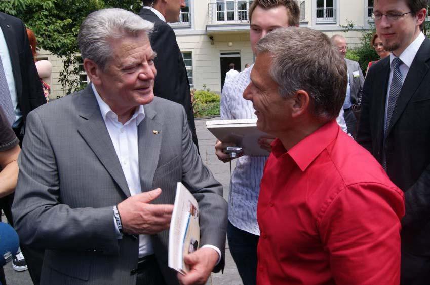 Bundespräsident Joachim Gauk (links) und Jürgen Theil im Gespräch.