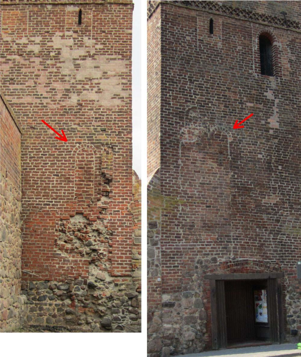 Aus dem ersten (13. Jh.), deutlich niedrigeren Turm führten westlich (links) und östlich (rechts, neben dem heutigen Eingang) Türen auf Laufgänge an der Stadtmauerkrone. Die damalige, im 14. Jh. abgebrochene, Stadtmauer hatte vermutlich in der Nähe des Turmes Zinnen. (Fotomontage: Dr. Matthias Schulz, 2012)
