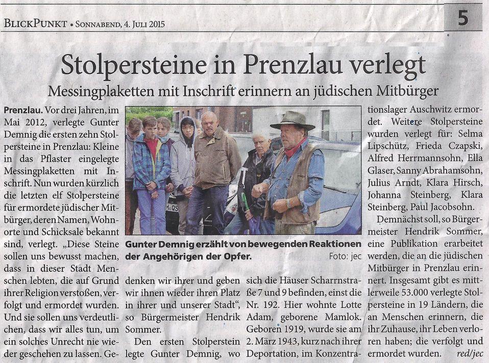 BlickPunkt vom 04.07.2015. ganz rechts Gunter Demning, daneben Erwin Klaus und Reinhard Timm vom UGVP und Schüler