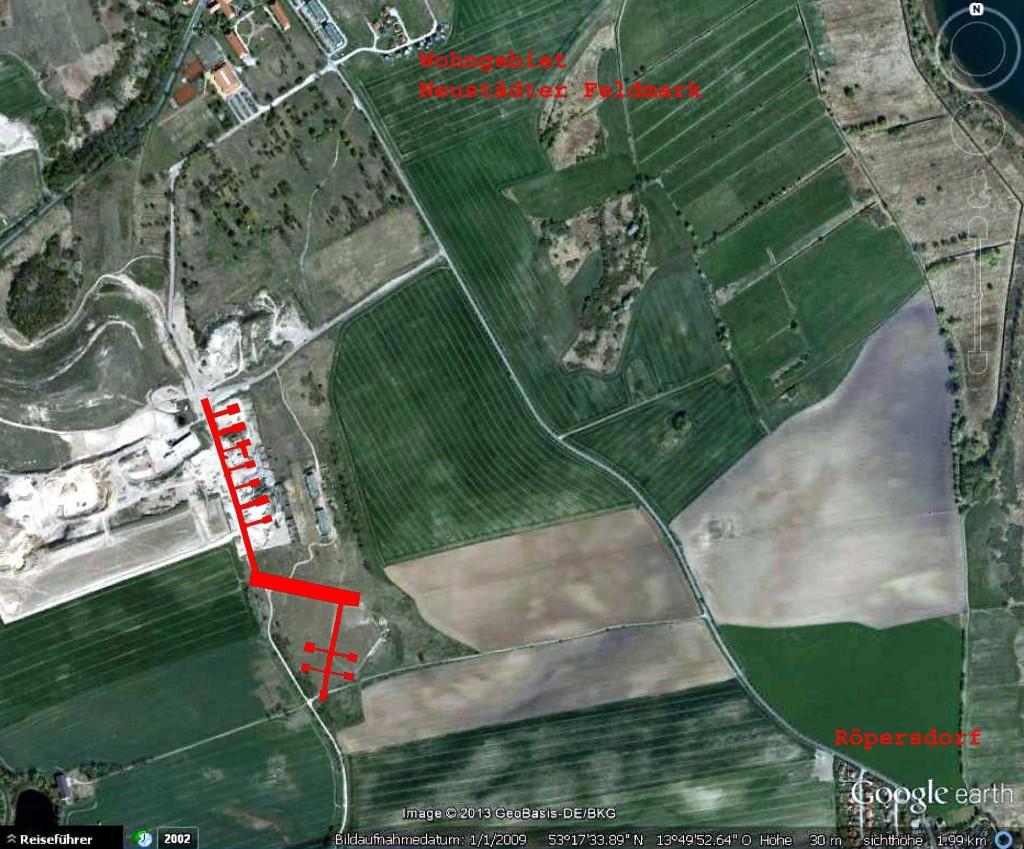 Pläne vom Bau der Start-, Lande- und Standflächen der sowjetischen Kamphubschrauber (1989) sind nicht bekannt. Auf einem Infrarot-Luftbild des Landesvermessungsamtes Brandenburg von 1992 zeichnen sich die baulichen Strukturen noch gut ab. Diese wurden hier auf ein aktuelles Luftbild von Google earth übertragen (Zugriff: 04.11.2013). Die nördlichen Bereiche sind heute durch eine Kiesgrube überprägt. Die große, lang-rechteckige Fläche ist 250 m breit und liegt heute im Schussfeld eines Trap-Schießplatzes zwischen Prenzlau und Röpersdorf.