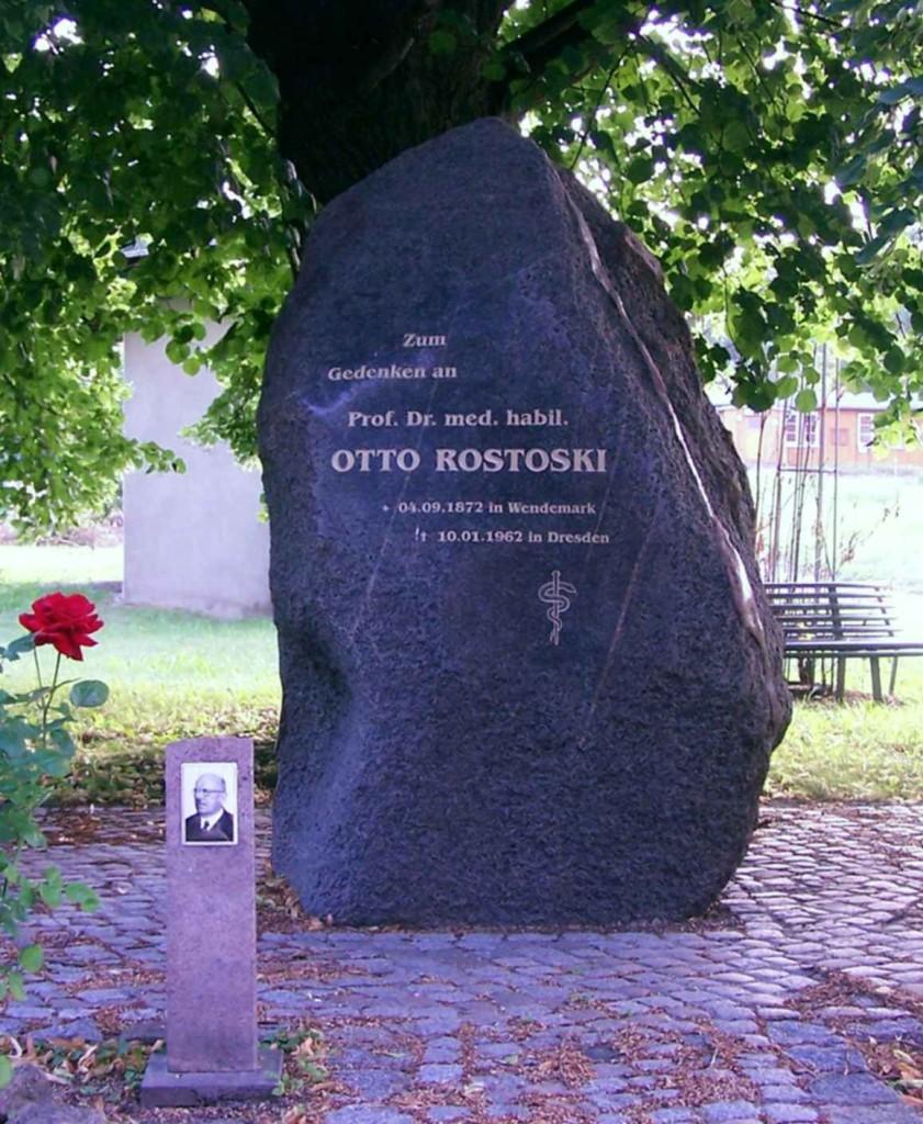 Gedenkstein für Prof. Otto Rostoski 2013 (Bild: Bärbel Würfel)